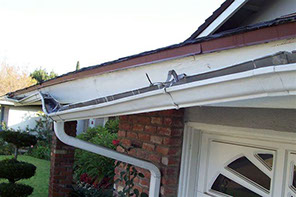 Gutter repair installation springdale ar gutter company in our services include gutter cleaning gutter repair and gutter installation and replacement gutter guards and gutter covers solutioingenieria Image collections